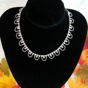 Jewelry - BEAUTIFUL RHINESTONE CHOKER